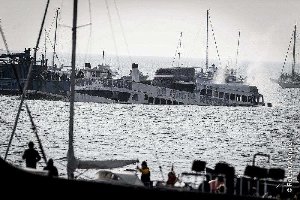 Færgen Ærøsund ender sine dage som dykkermekke på bunden af Svendborgsund